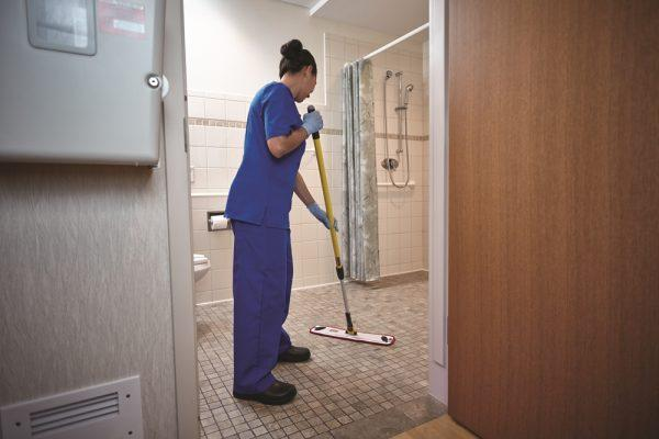klorsept_surface_disinfectant_cleaner_mop